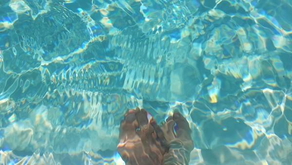 Un plouf et ça repart !  #piscine  :)