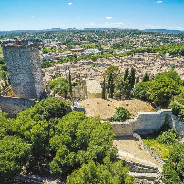 Le Château de Sommières à découvrir et à visiter lors de votre séjour à Sommières entre Nîmes et Montpellier