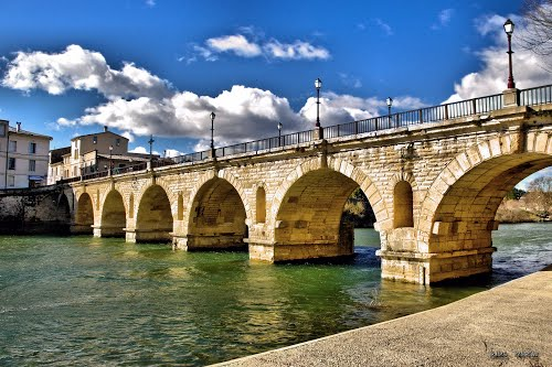 Le Pont romain de Sommières, un vestige témoignant du passé antique de la ville et de la région de La Vaunage entre le Gard et l'Hérault en Occitanie